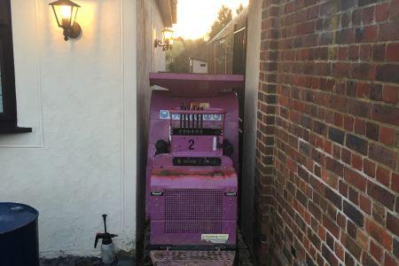 Mini crusher via tight alleyway